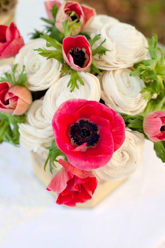 Poppy inspired wedding ideas big little things beautiful poppy wedding table centerpieces mightylinksfo