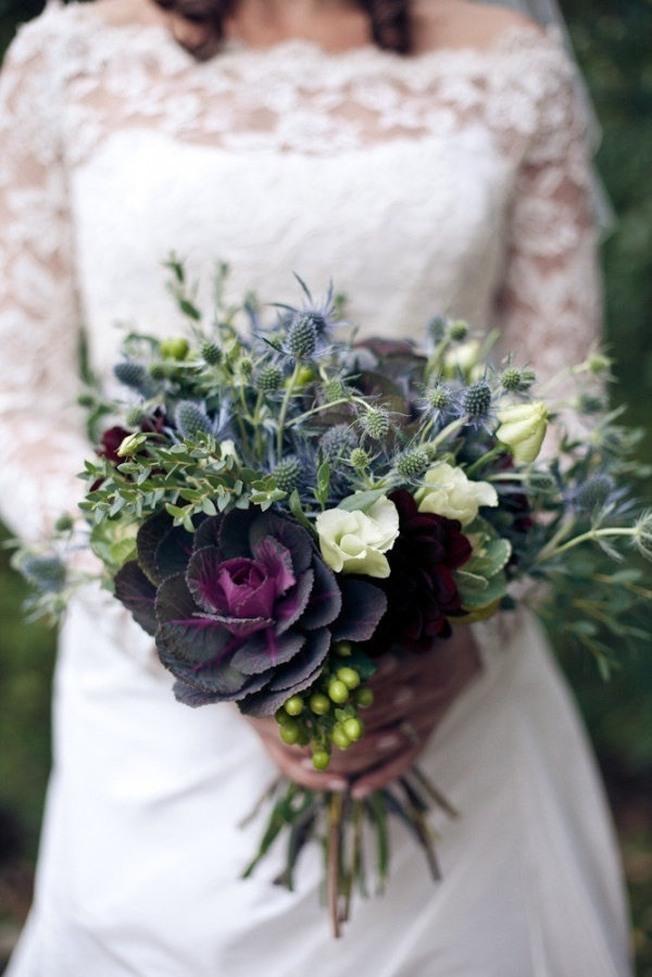 Seasonal wedding flowers – what's available and when