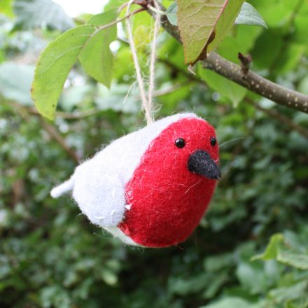 hanging-fabric-Christmas-robin