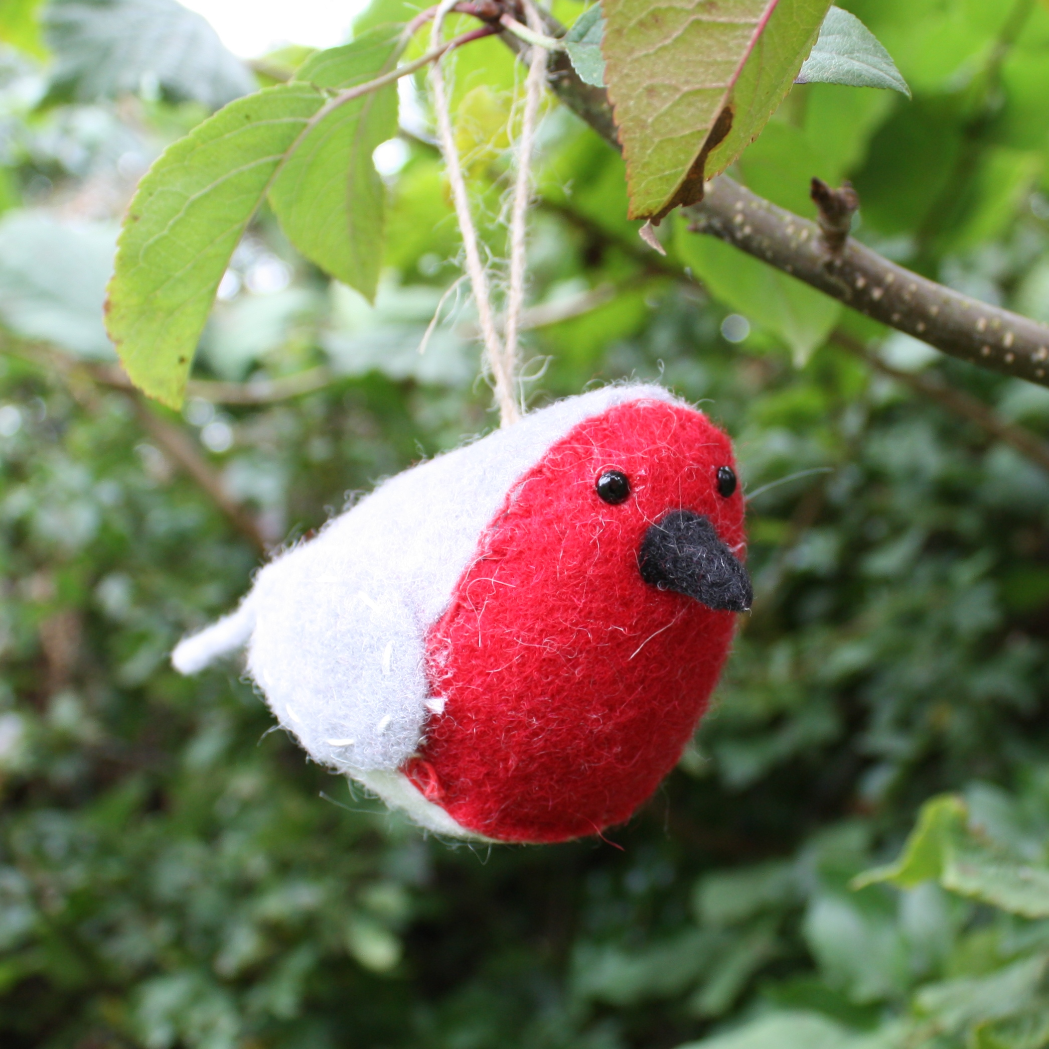 Red Robin Christmas Tree Decorations : Christmas robin tree decoration big little things