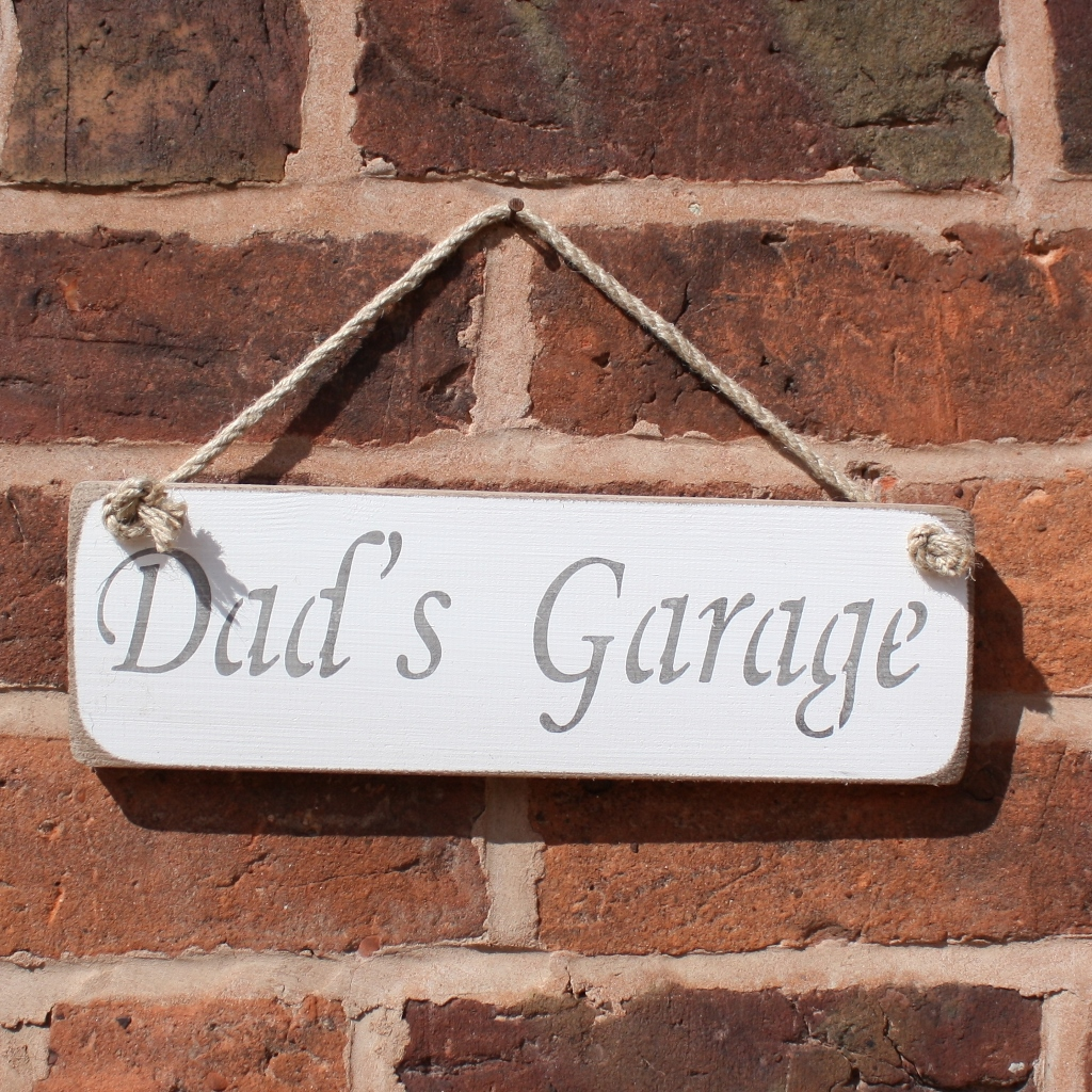 Dad's Garage Hanging Sign