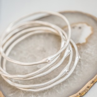 Tutti & Co Silver Bangle with Crystal Inset