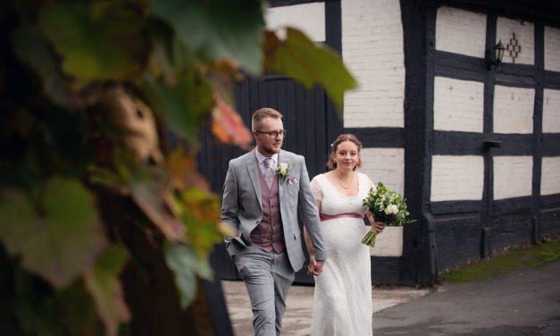 Real wedding: Sarah & Jordan at The Hundred House